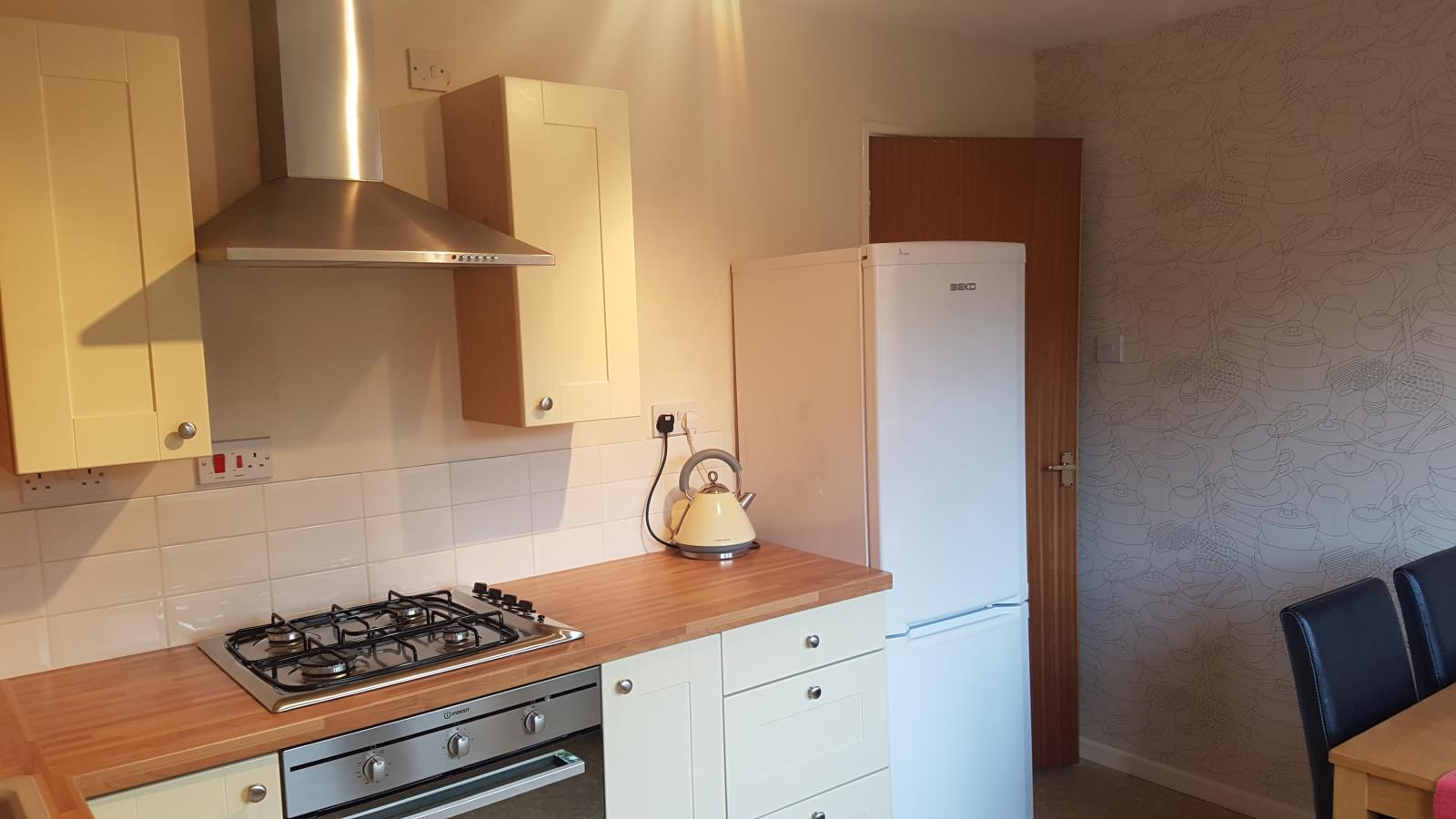 2 Bedroom Semi Detached House Let In Cheltenham Gl52