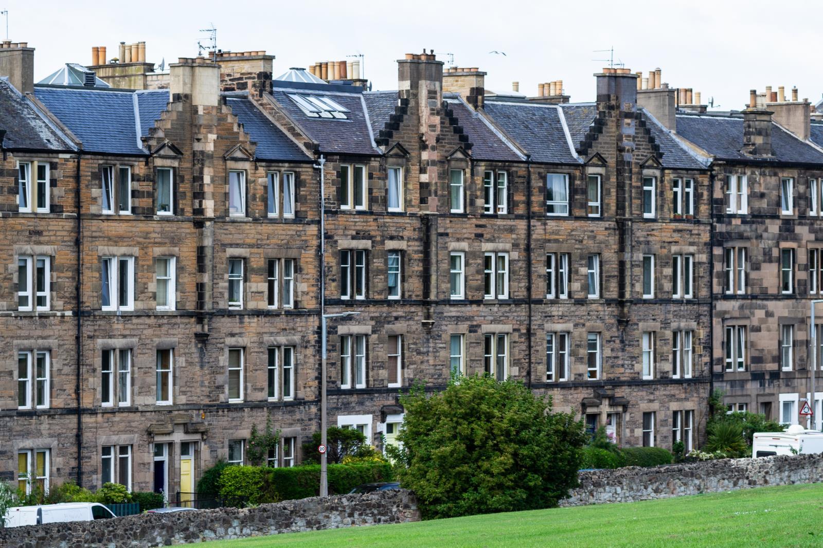 3 Bedroom Flat Sold in Edinburgh, EH8