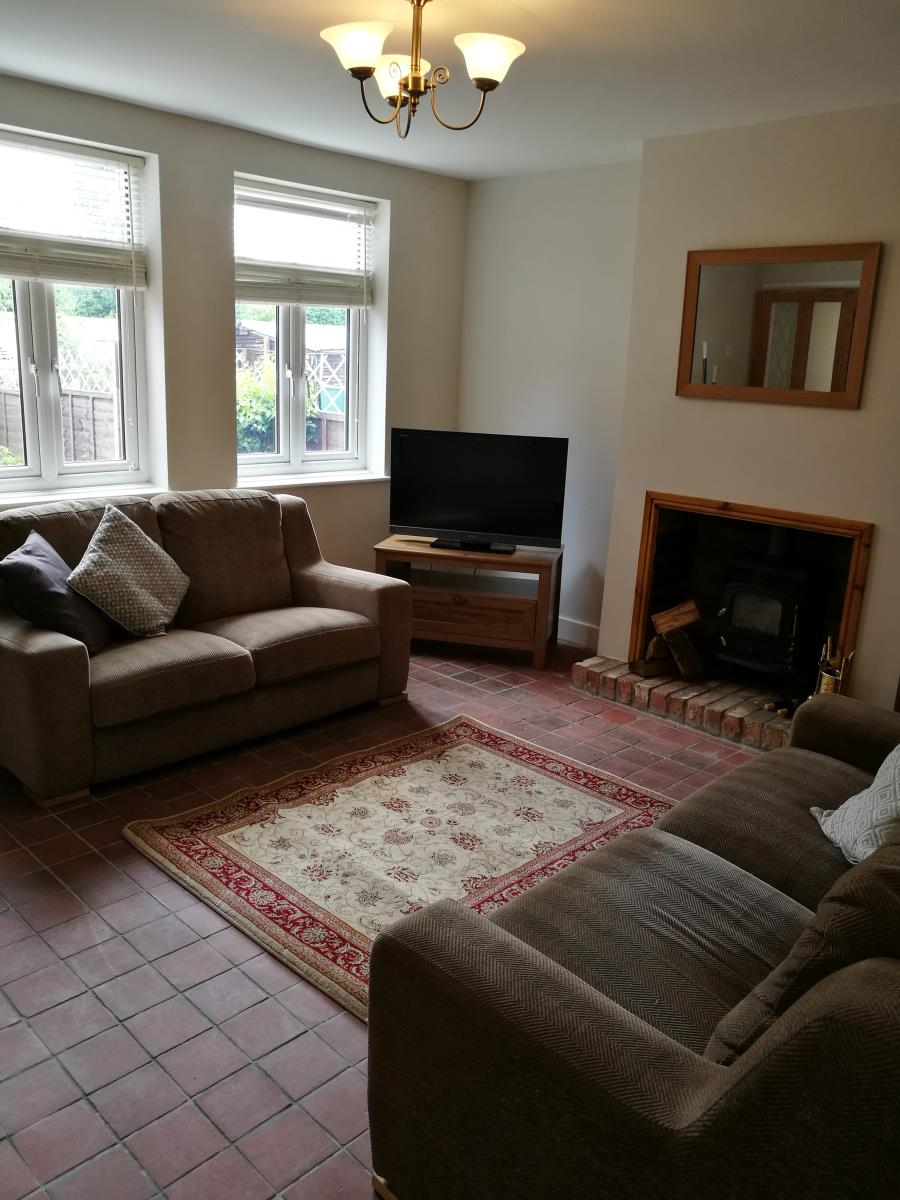 3 Bedroom Semi Detached House To Rent Rose Gardens: 3 Bedroom Semi-Detached House Sold In Sutton Coldfield, B76