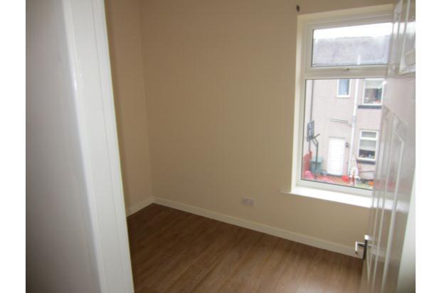 2 Bedroom Terraced House Let In Rochdale Ol16