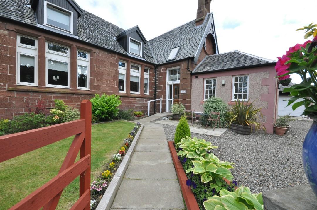 4 Bedroom Link Detached House Let In Glasgow G63